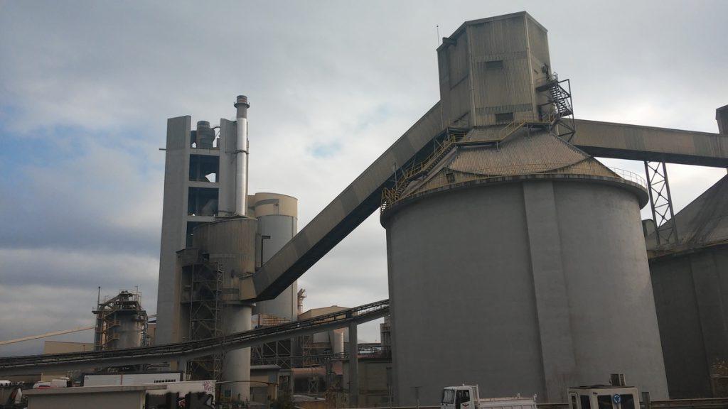 Cementos Molins y Lafarge cierran la compra de Holcim Cement de Bangladesh por 50,5 millones