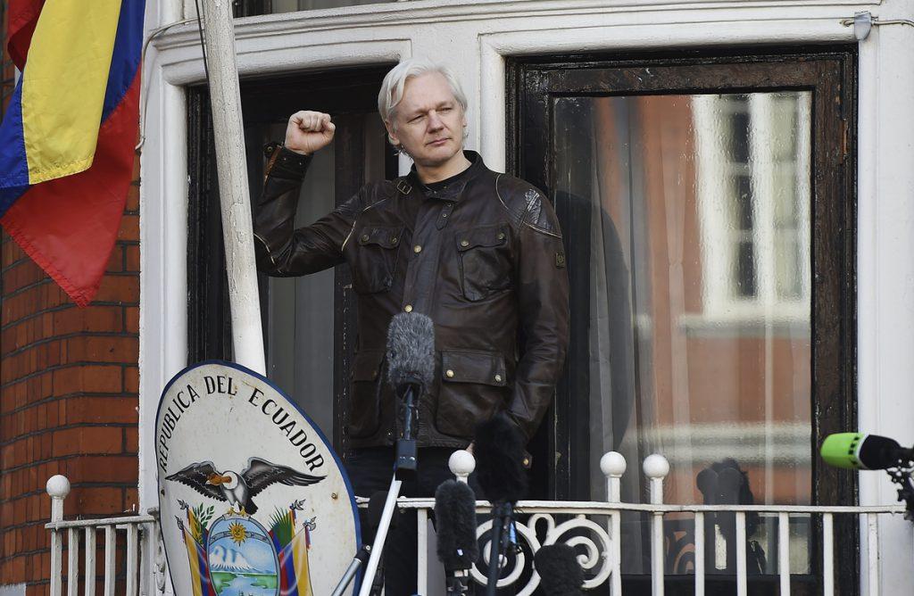 Ecuador estudia posible mediación internacional para resolver la situación de Assange