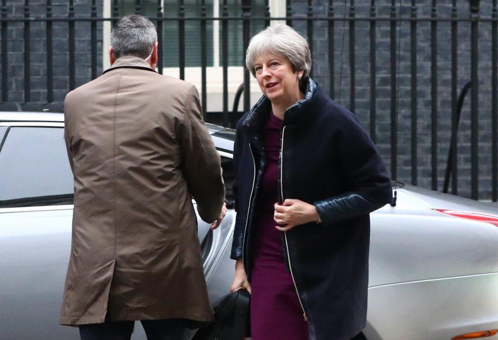 May renueva a la segunda fila de su Gobierno tras mantener a sus ministros