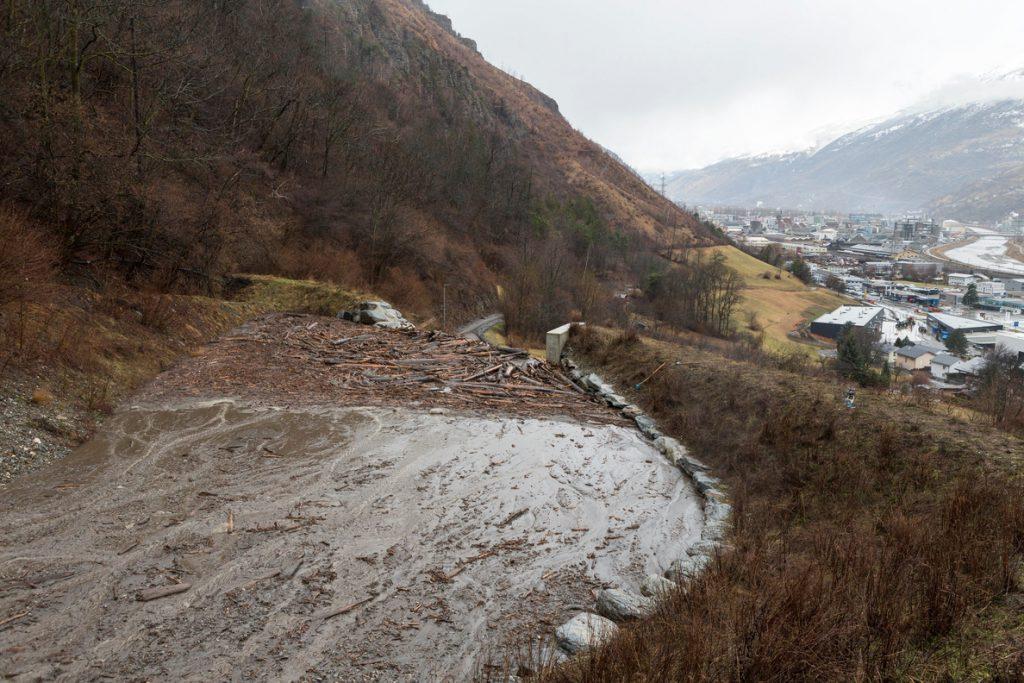 Miles de personas bloqueadas en localidades alpinas por nevadas