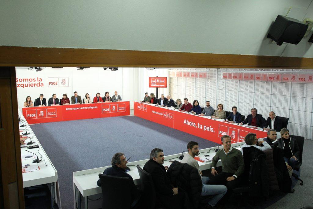 El PSOE propone lograr 2.745 millones para pensiones con impuestos a la banca y transacciones y destope de cotizaciones