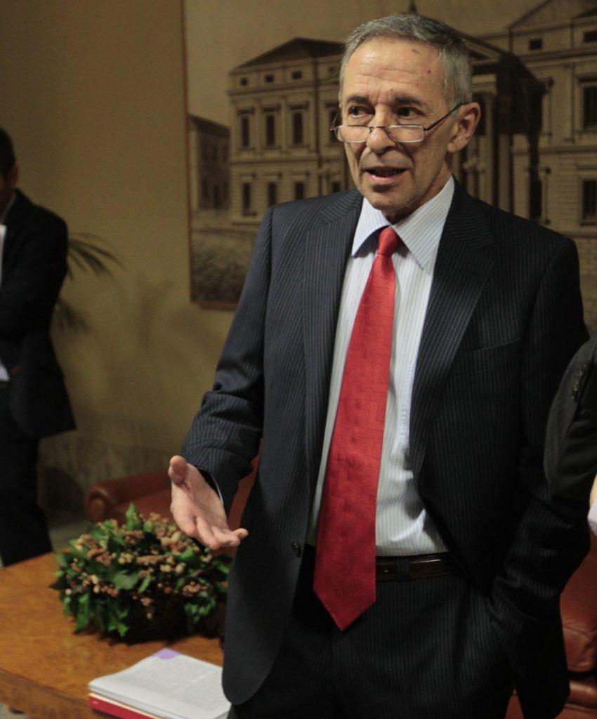 Segura defiende que CNMV hizo «lo posible» durante la crisis dadas sus limitadas competencias