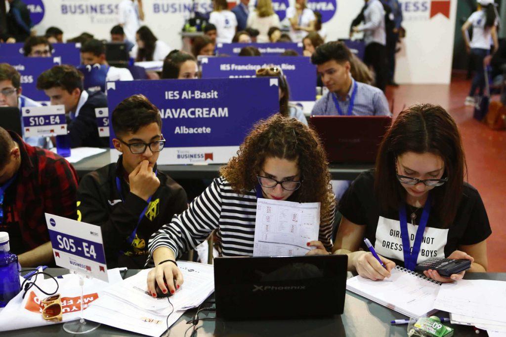 Más de 10.000 estudiantes españoles participan en la VII Edición Young Business Talents sobre empresarios virtuales