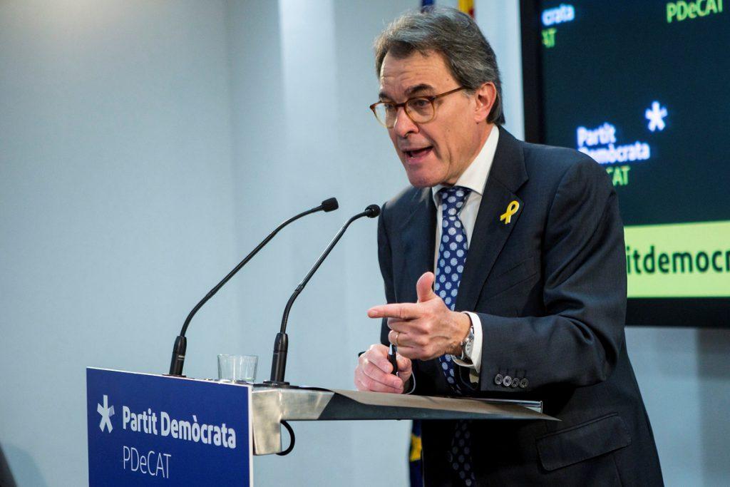 Mas respetará las decisiones de Puigdemont y rechaza opinar si debe regresar