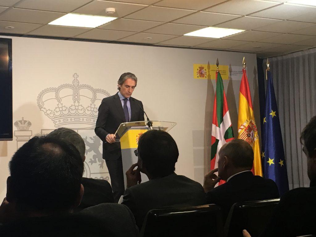 Fomento inicia el proceso para construir la conexión AVE Burgos-Vitoria