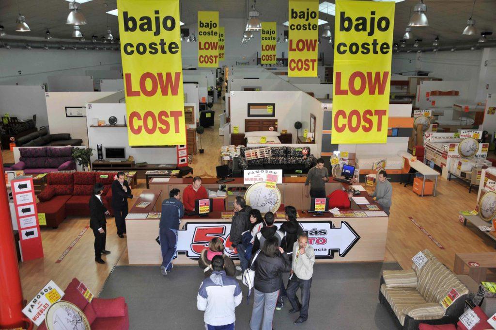 La firma española 'low cost' Muebles Boom entra en el accionariado de Conforama