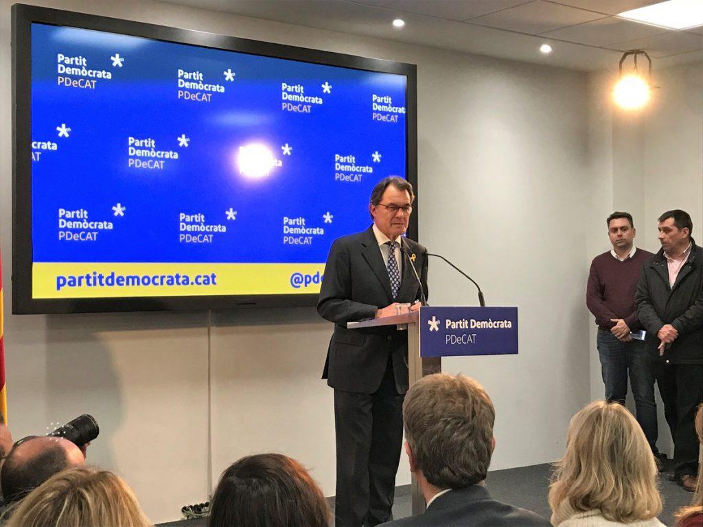 Artur Mas anima a Puigdemont a «pensar primero en el país» si no desbloquea su investidura