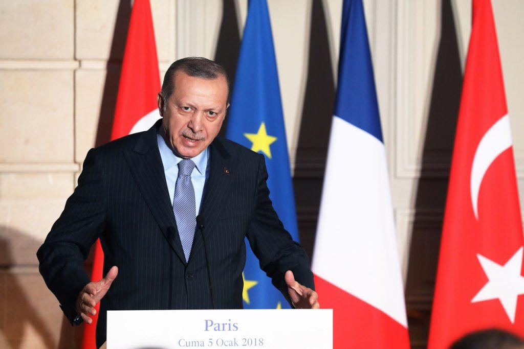 Erdogan dice que no entregará terroristas a EEUU si ese país no extradita a Gülen