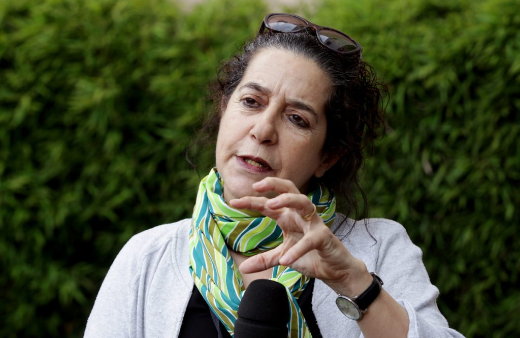 Helena Pimenta: Si te reflejas como una tonta, te tratarán como a una tonta