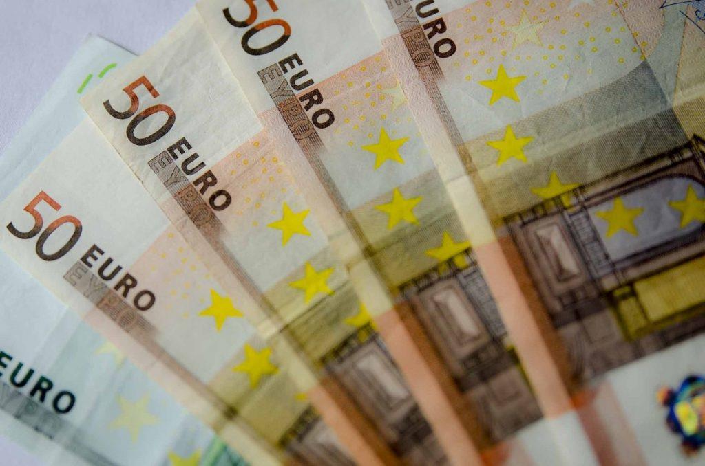 Condenado un empleado de banca a 3 años y 4 meses de prisión por apropiarse de más de 3 millones de euros