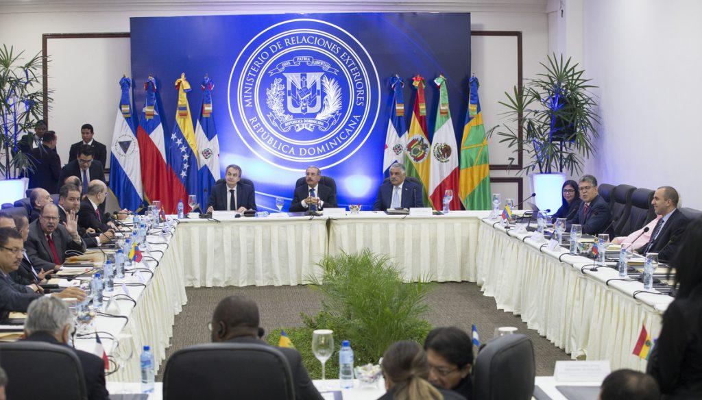 El Gobierno y la oposición venezolana reanudan diálogo en busca de un acuerdo