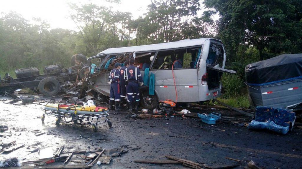 Al menos 13 muertos y 39 heridos en un accidente múltiple en Brasil