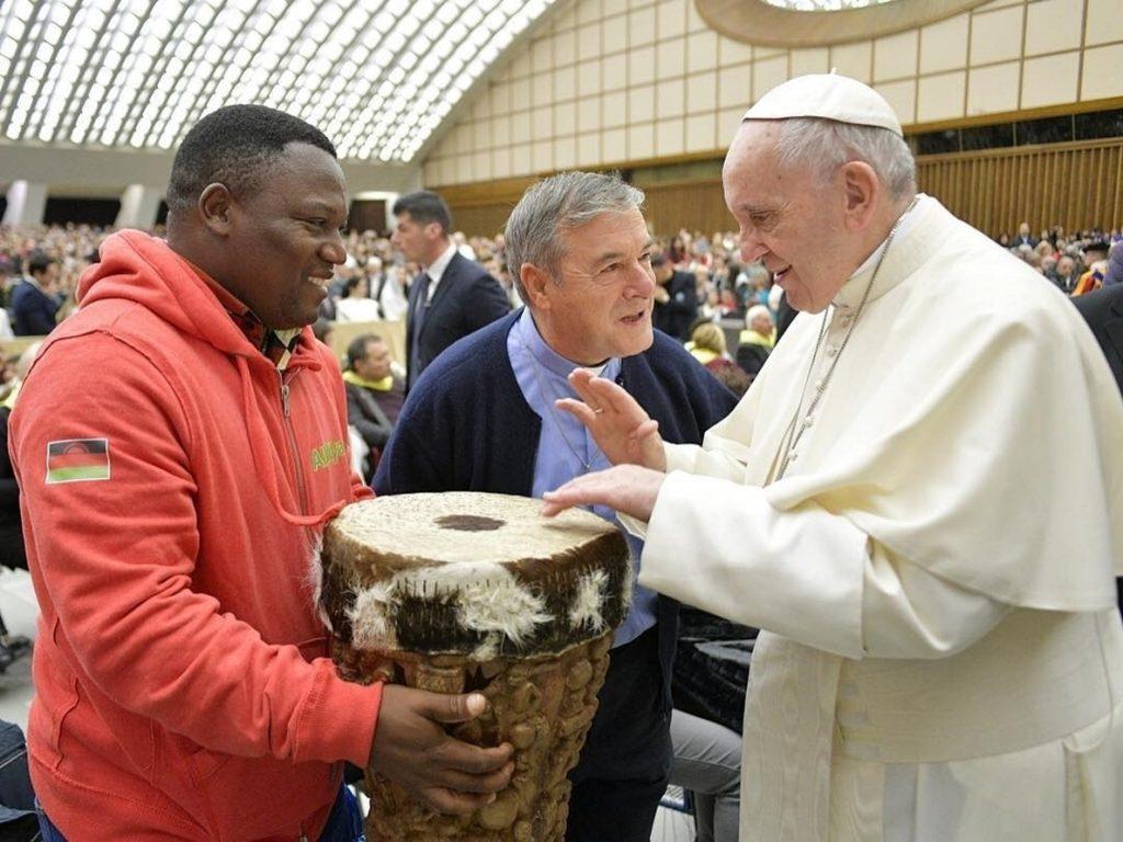 El Papa condena las «barreras» pero reconoce el miedo «legítimo» de los países de acogida