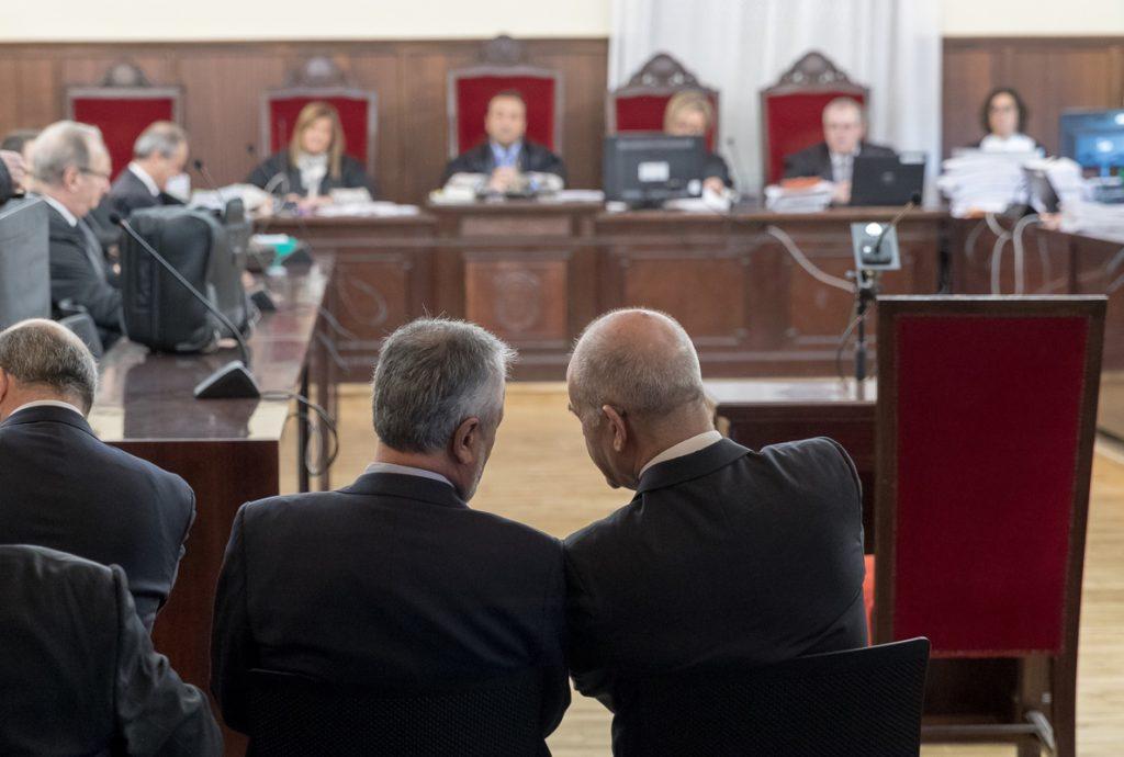 El juicio de los ERE se reanudará el 12 de febrero con la resolución de las cuestiones previas