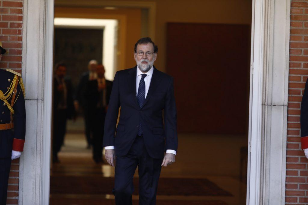 Gobierno valora la normalidad hoy en el Parlament y cree que Puigdemont no ha pedido votar al amenazar Rajoy con el TC