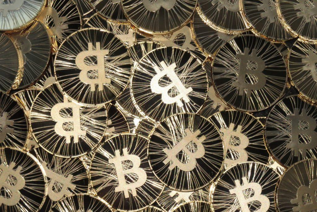 El bitcoin se hunde por debajo de los 10.000 dólares y pierde la mitad de su valor en apenas un mes