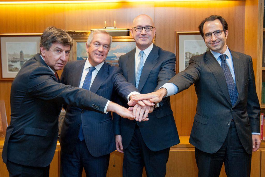 (Ampl2.) El Corte Inglés refinancia su deuda de 3.650 millones de euros