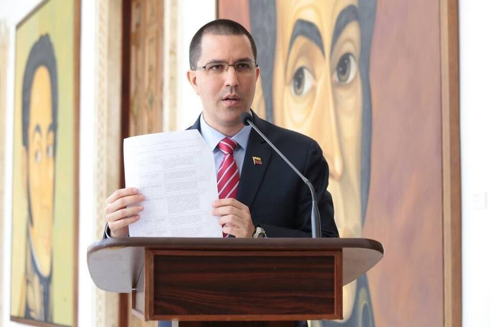 El Gobierno de Venezuela entrega una nota de protesta a los embajadores de la UE por las sanciones