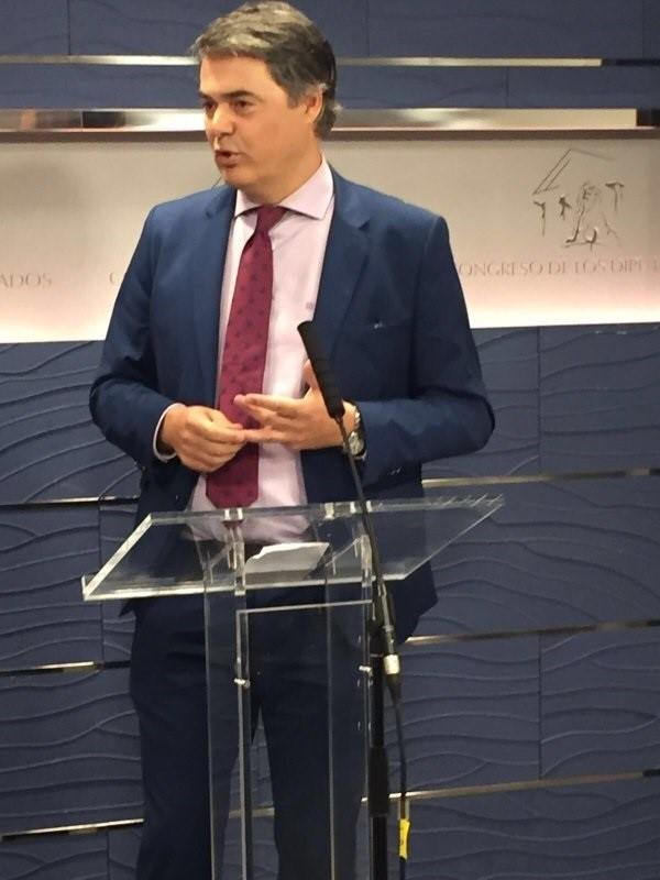El PP no acepta «lecciones» del PSOE sobre corrupción y niega que Rajoy se esconda