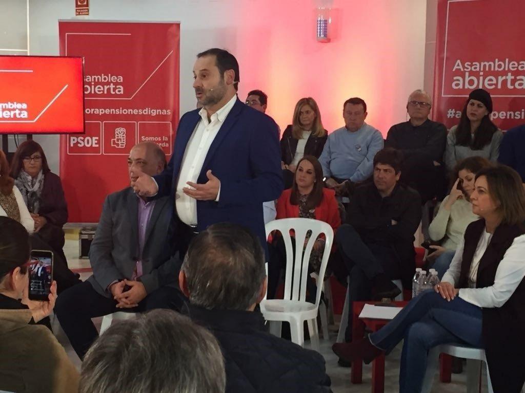 Ábalos (PSOE) ve «lamentable» la expulsión del embajador en Venezuela y pide al Gobierno que «no entre al trapo»