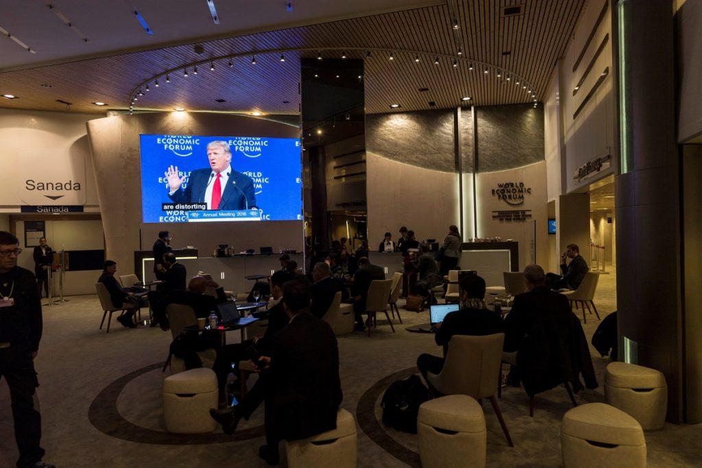 Trump dice que se ve a sí mismo como «un animador» de Estados Unidos