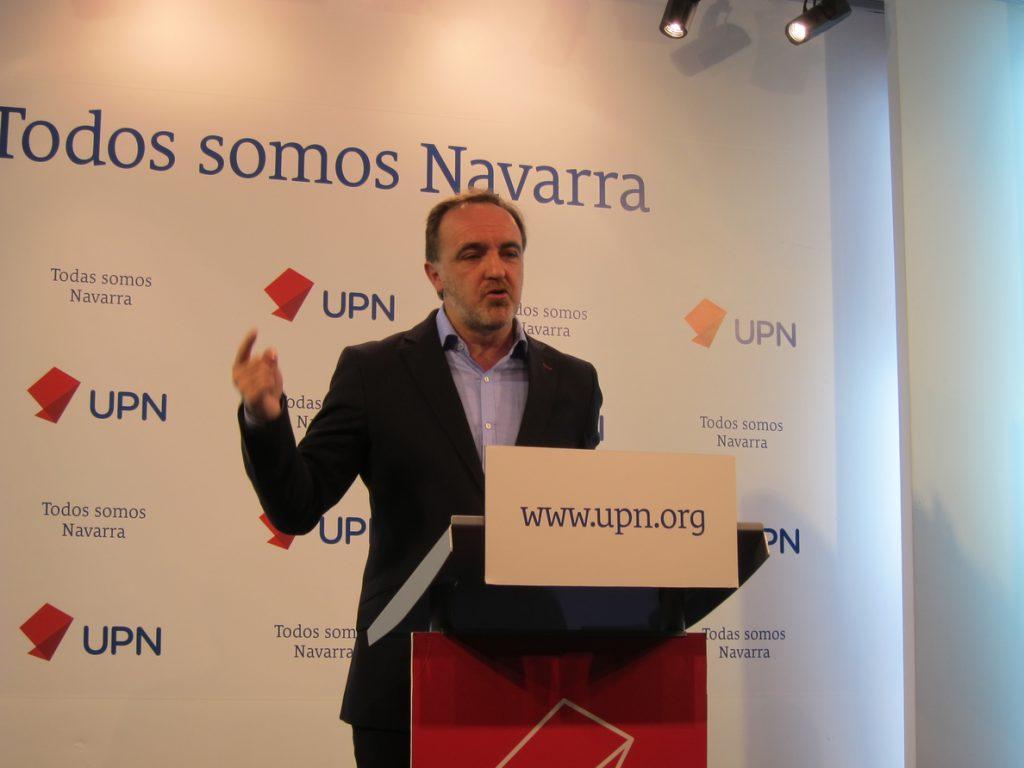 Esparza contesta al presidente de la AVT que el Gobierno de Navarra «ningunea y manipula» a las víctimas de ETA