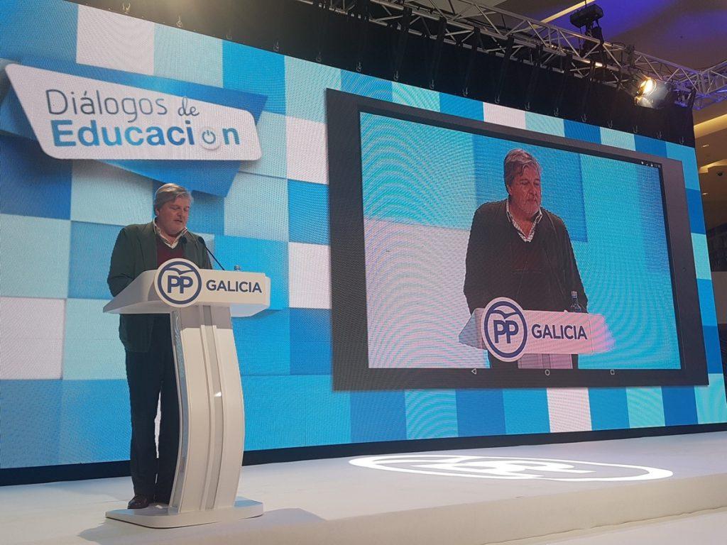 Méndez de Vigo propone «un MIR educativo de dos años» para acceder a la docencia