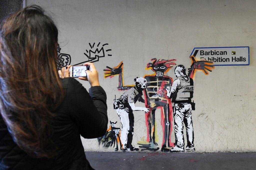 Un concejal inglés pide «limpiar» un mural de Banksy que no considera «arte»