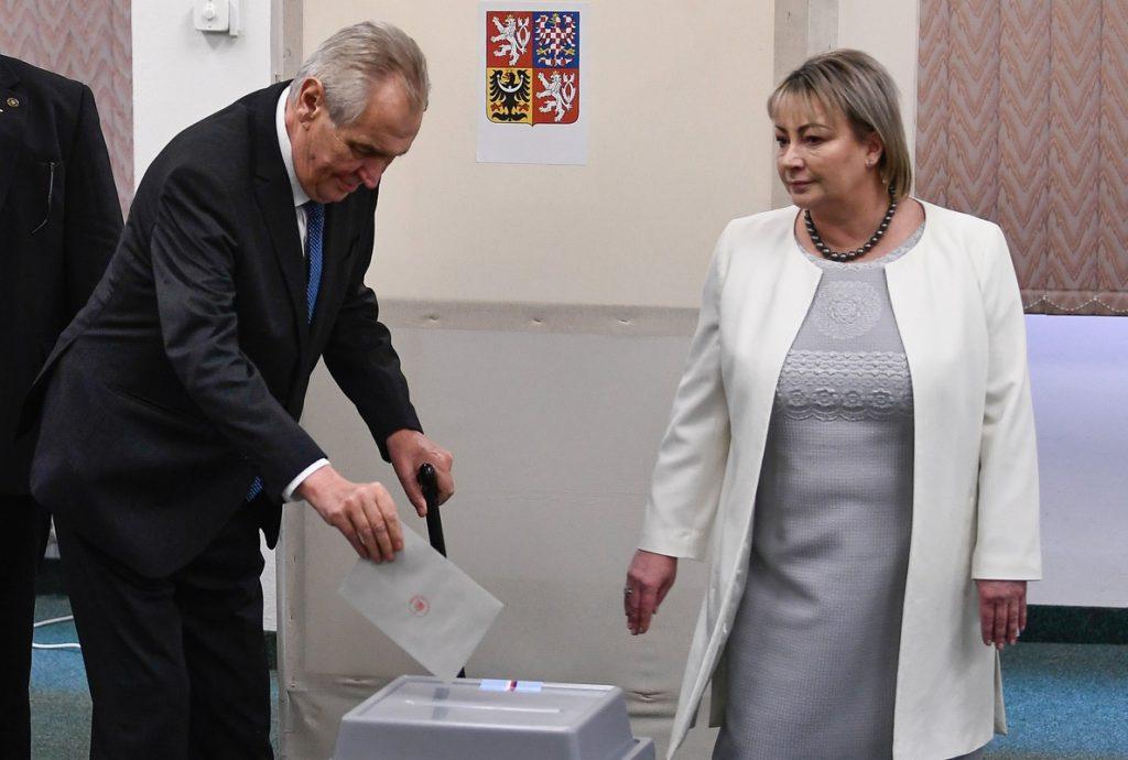 Milos Zeman gana las elecciones y revalida su cargo como presidente de República Checa