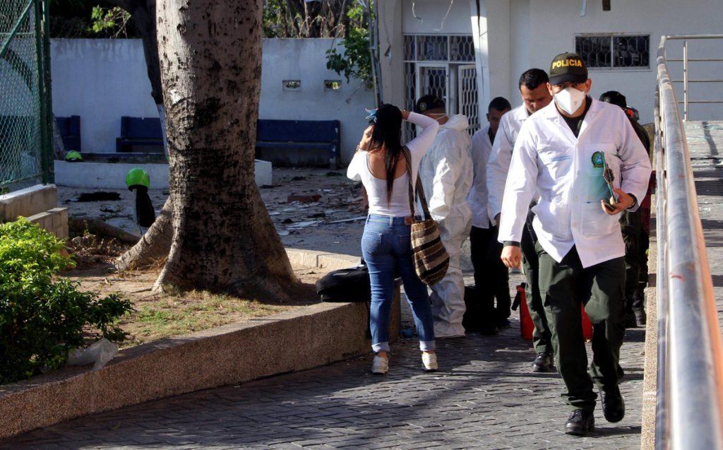 Tres policías muertos y 17 heridos en un atentado en Colombia
