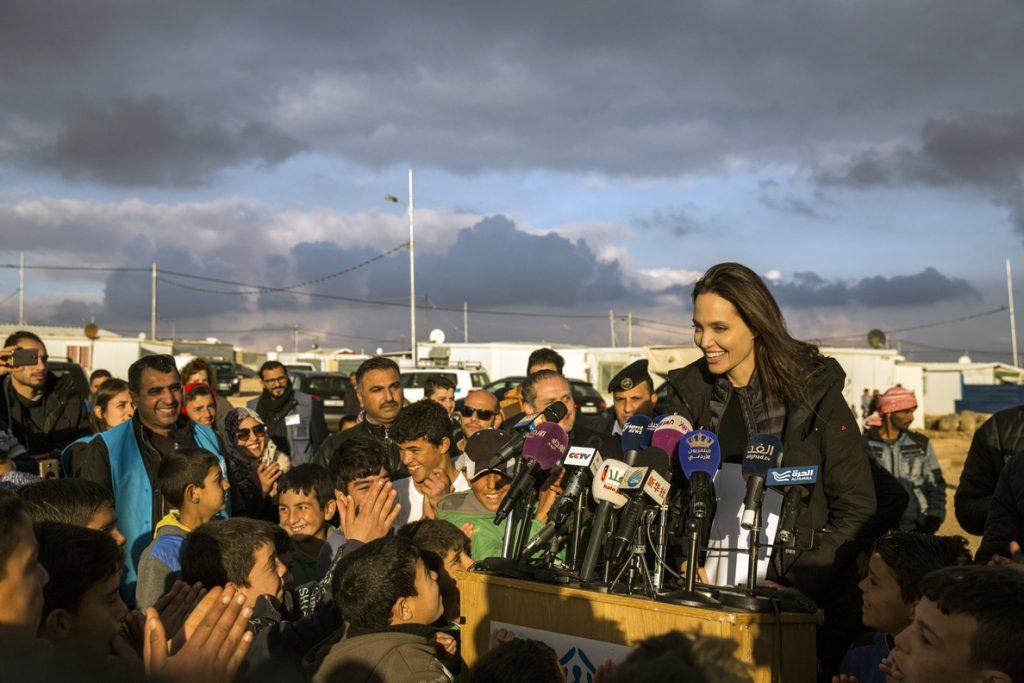 Angelia Jolie urge en Jordania a encontrar una solución al conflicto en Siria