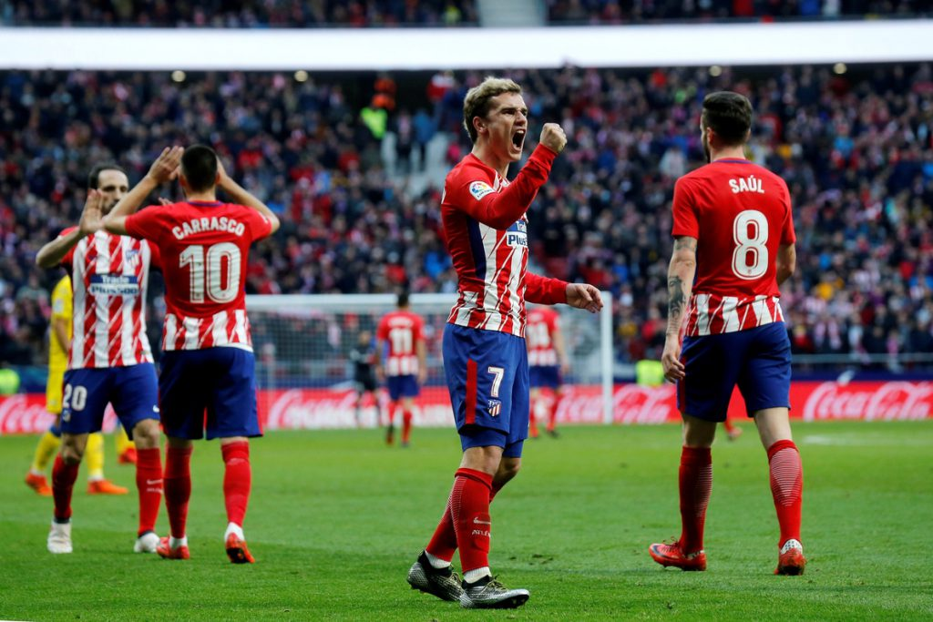 El Atlético golea 3-0 al Las Palmas y saca seis puntos al Valencia