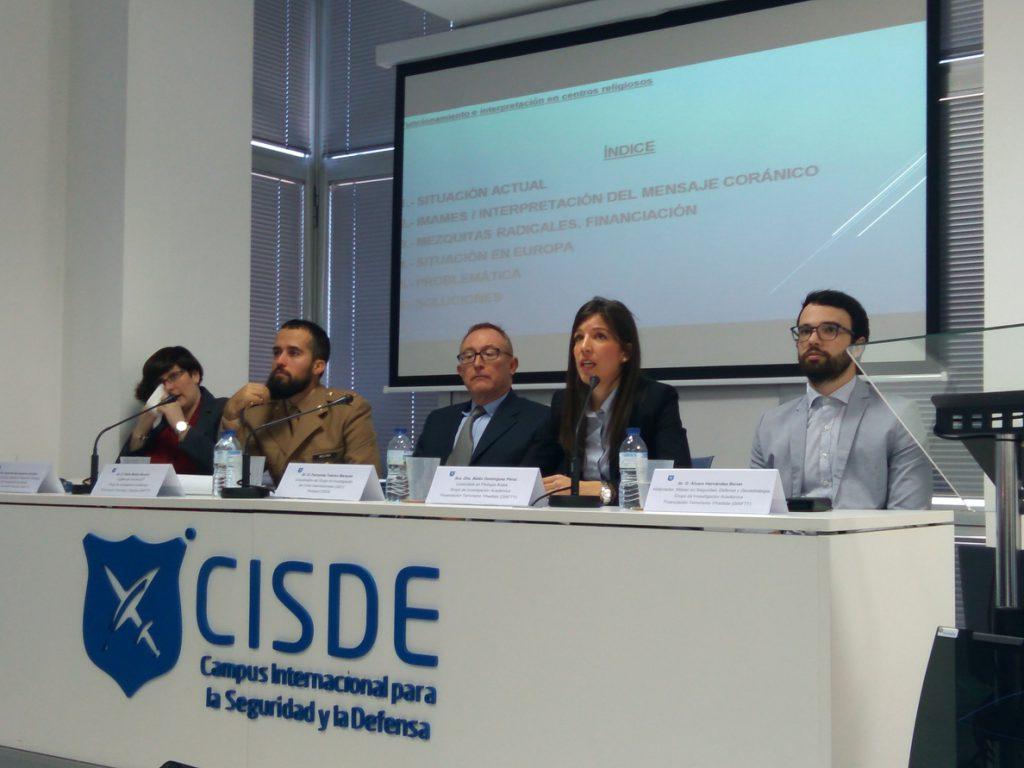Expertos e investigadores en Seguridad y Defensa analizan en Sevilla las fuentes de recursos económicos de terroristas
