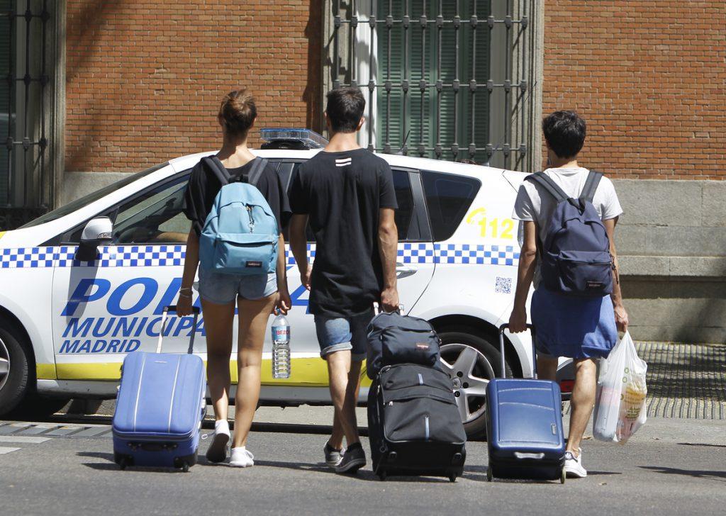 La administración cerca la competencia desleal en los pisos turísticos