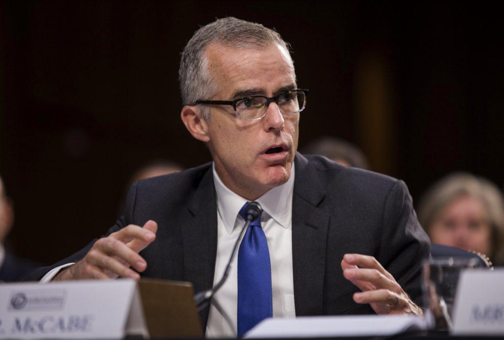 Dimite el «número dos» del FBI, según los medios estadounidenses