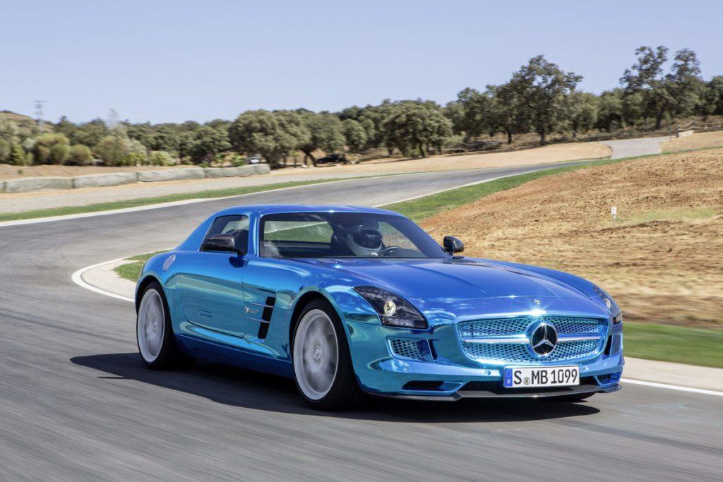Mercedes-Benz invertirá 11.000 millones en vehículos eléctricos y baterías