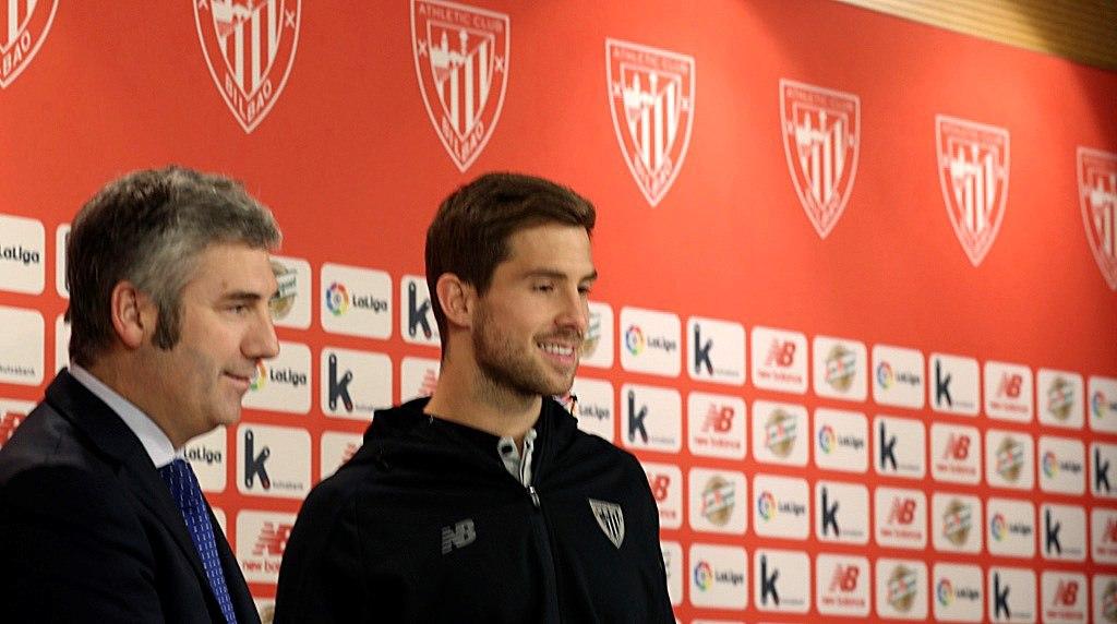 Íñigo Martínez hereda el dorsal 4 de Aymeric Laporte