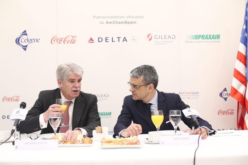 Dastis defiende ante empresas de EEUU que la solución para Cataluña es volver al orden constitucional