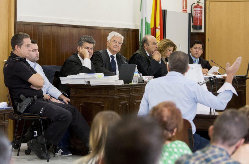 La defensa del doble crimen de Almonte, «satisfecha» tras la sentencia absolutoria del TSJA