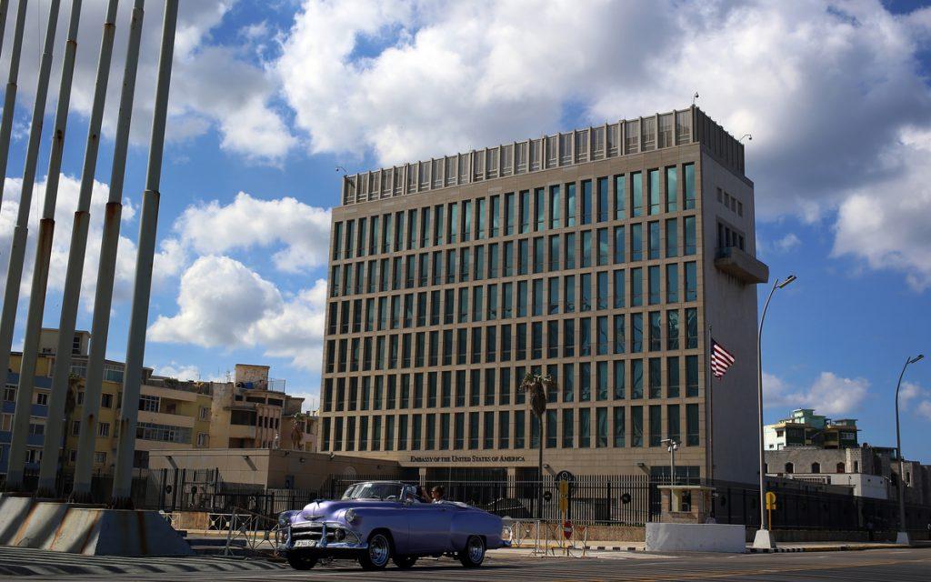 EEUU ve «ridículo» que Cuba tache de acto subversivo la expansión de internet