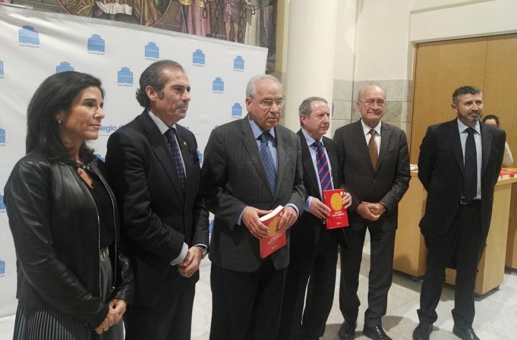 Guerra dice que la élite política catalana «está haciendo el ridículo» y cree que Puigdemont «no está en sus cabales»