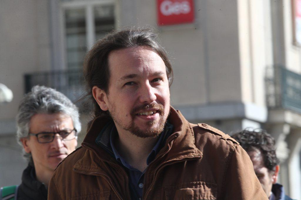Iglesias avisa al PSOE de que sus votantes no entenderán que vuelva a «abrazarse al PP» rechazando la reforma electoral