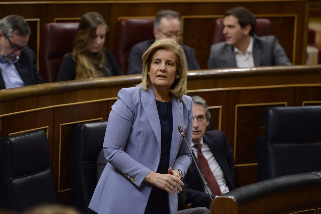 El PSOE quiere que Báñez explique en el Congreso si cree necesario ahorrar dos euros al mes para la pensión