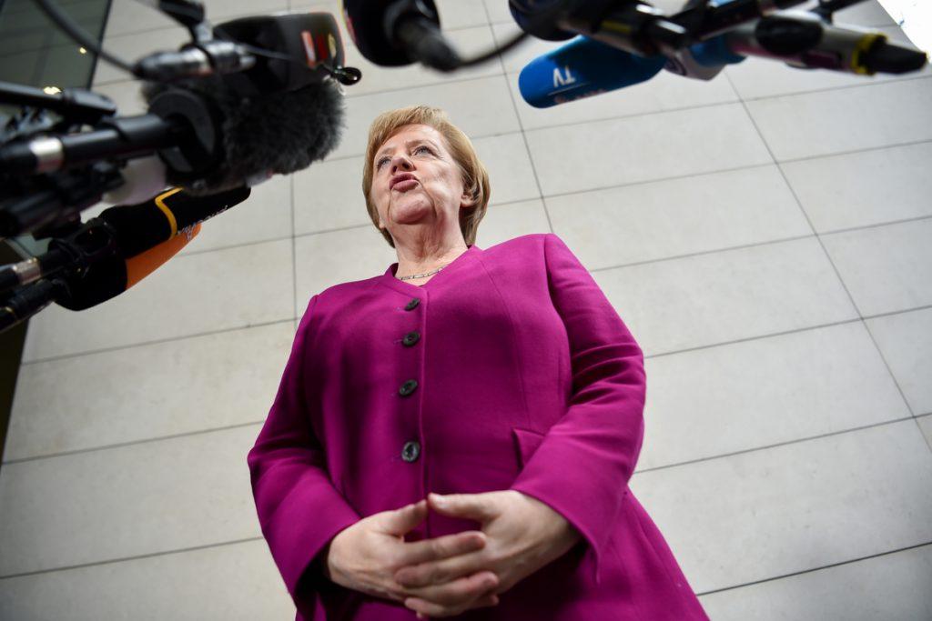 Merkel advierte de que aún hay «serios puntos de discrepancia» para cerrar el acuerdo de coalición