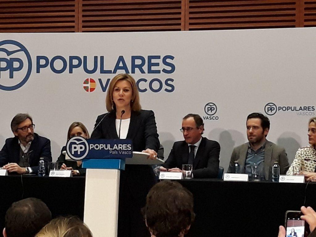 Cospedal cree que Puigdemont hace política para «crear división» y ha acabado «dividiendo a los suyos»