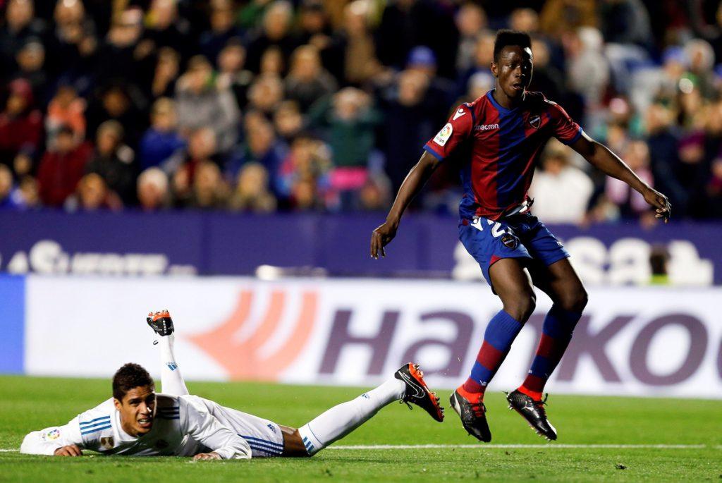 Real Madrid y Levante empatan 2-2