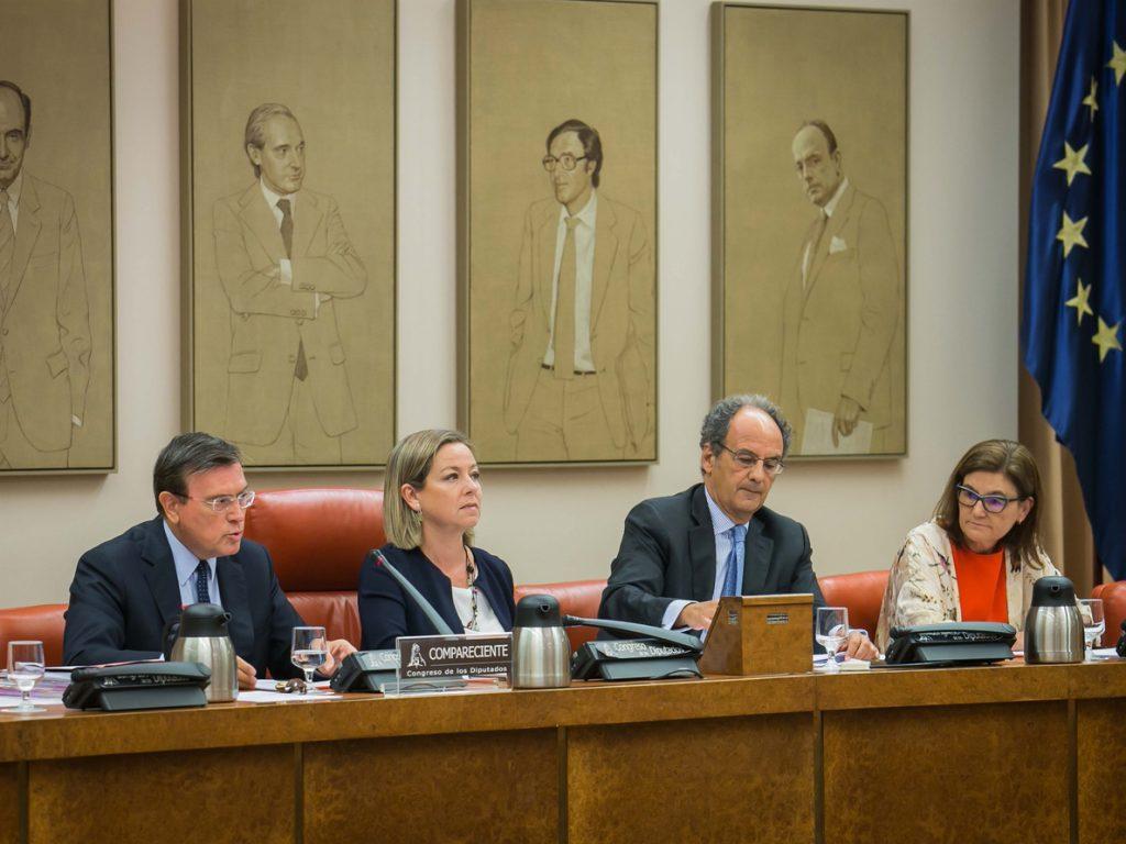 El Congreso recibe el martes a las dos únicas cajas que sobrevivieron a la crisis