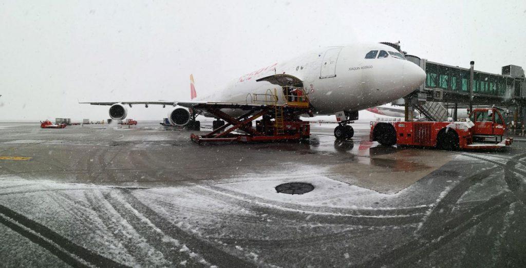 Barajas alcanza ya los 42 vuelos cancelados y seis vuelos han sido desviados