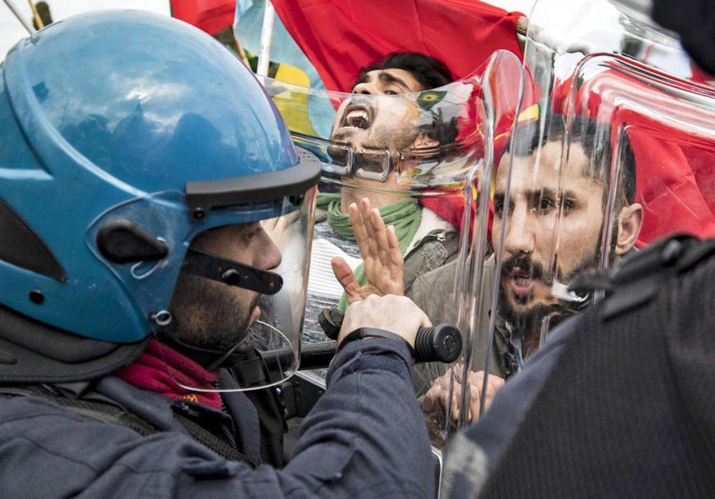 Erdogan exige borrar la palabra «turco» del nombre de entidades críticas