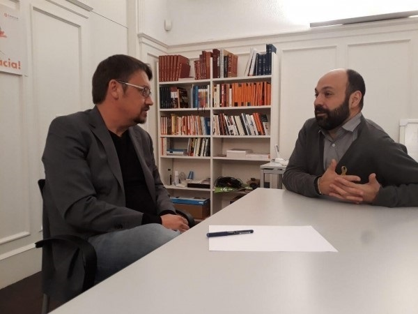 Domènech (CatEPC) se reúne con Òmnium para abordar el «bloqueo» del 155 y la falta de un Govern efectivo